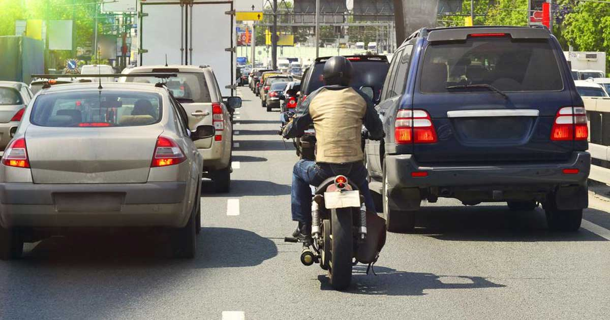 motorcycle sharing road