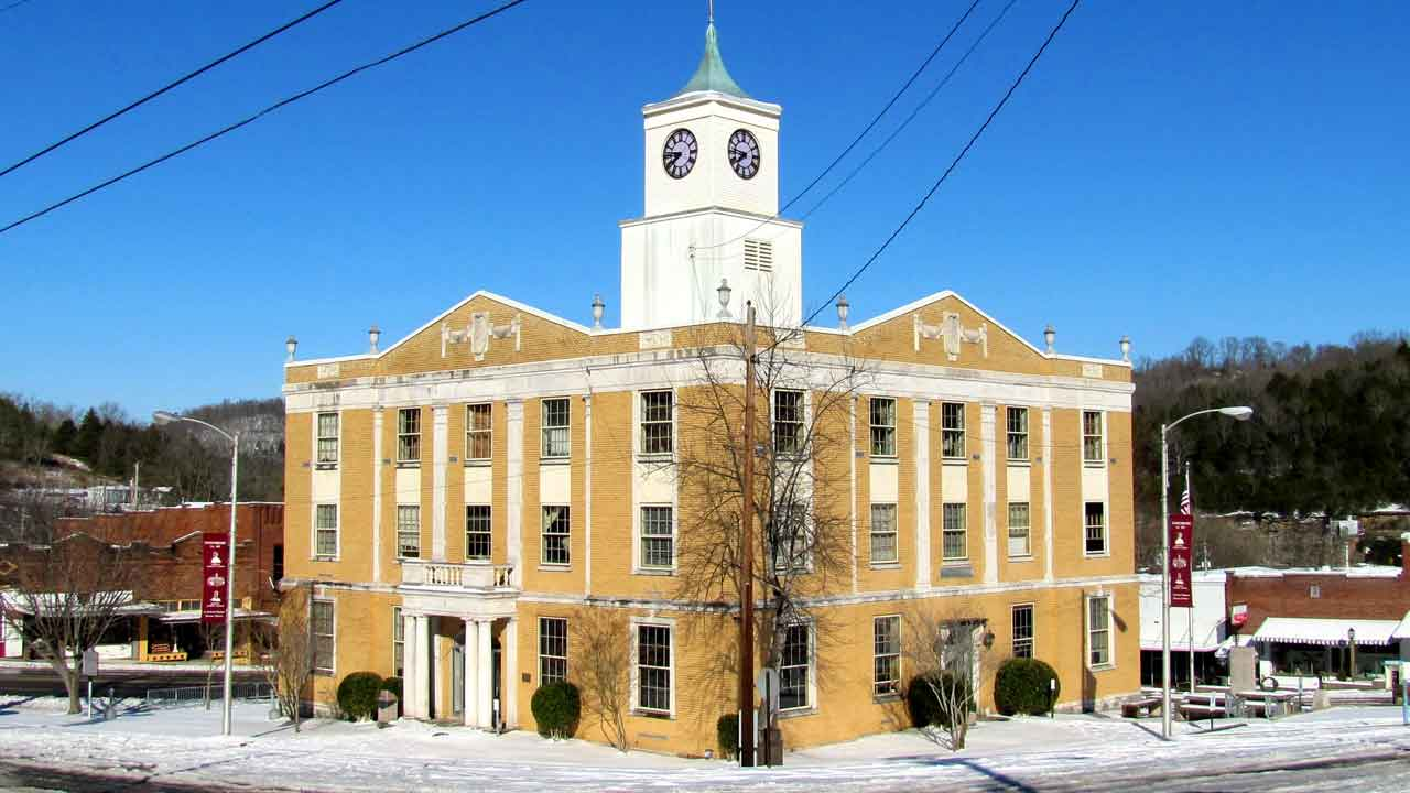 Jackson County Courthouse in Tennessee